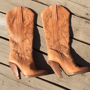 Jessica Simpson cowgirl boots